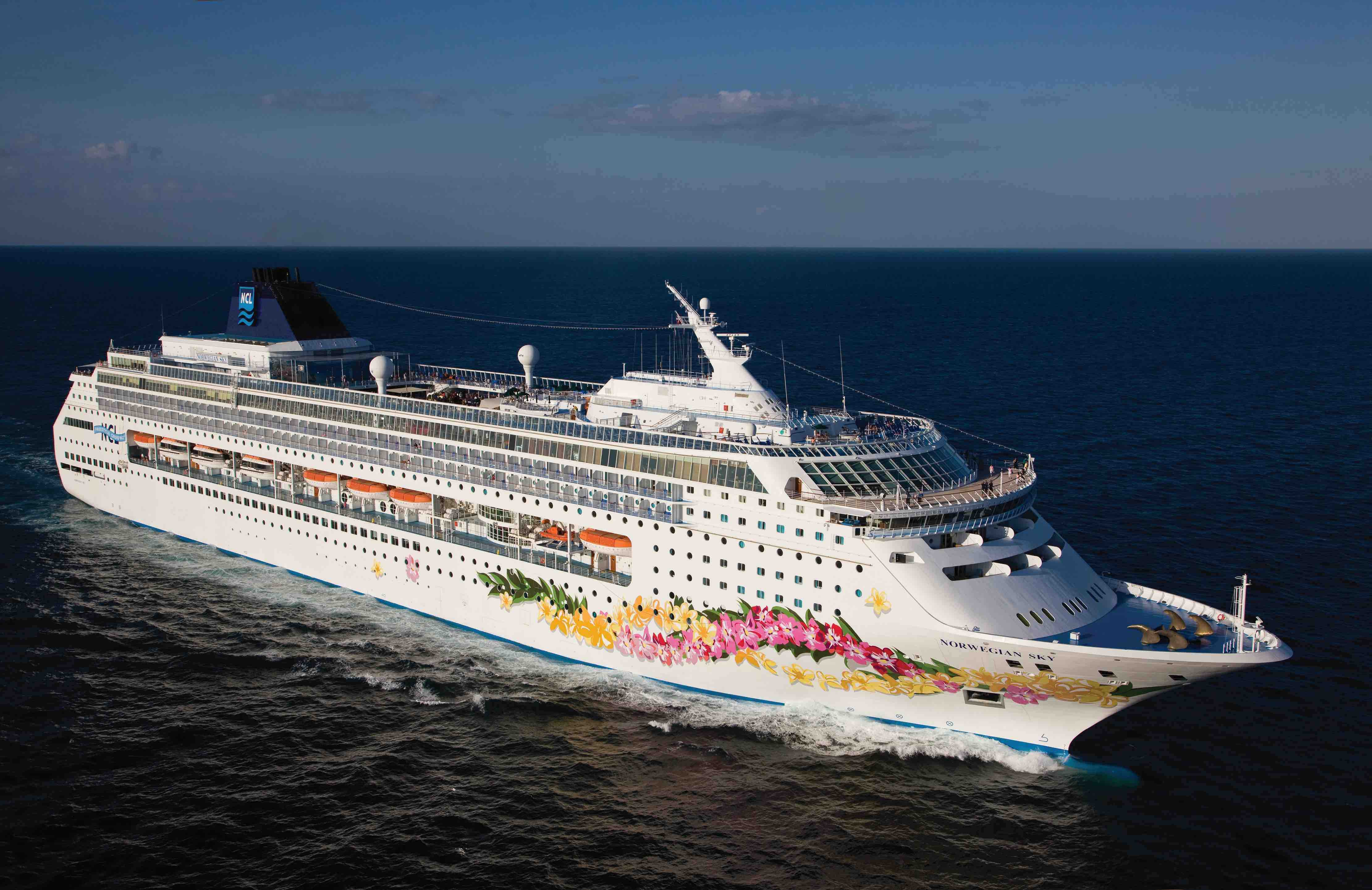 NCL outlines new Canal cruises from Panama homeports