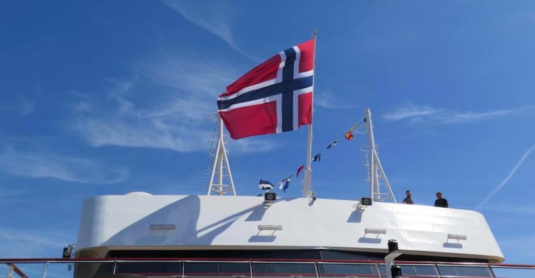 CRUISE Norwegian flag.jpg