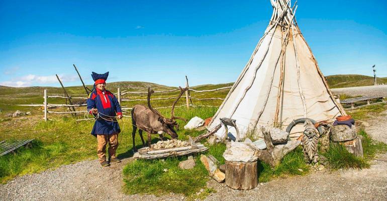 CRUISE Sami camp (PHOTO- AGURTXANE CONCELLON_HURTIGRUTEN).jpg