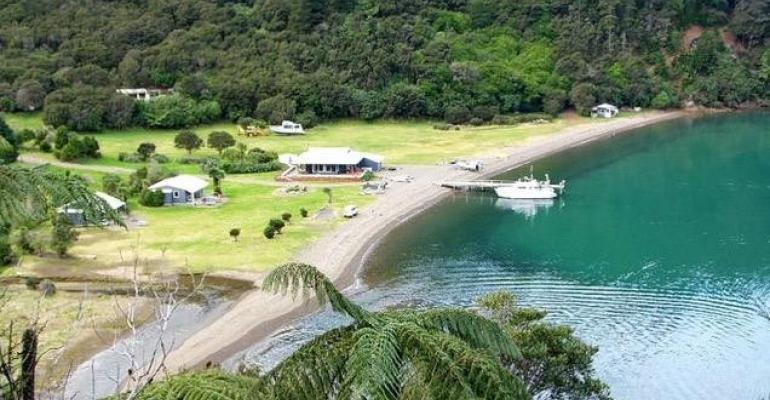 CRUISE_dUrville_Island_Wilderness_Resort .jpg