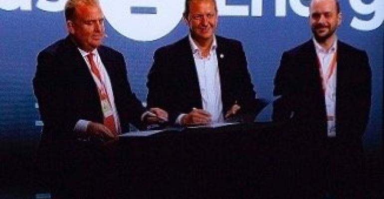 AIDA felix eichhorn signing with corvus