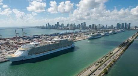 CRUISE_PortMiami_Royal_ship.jpg