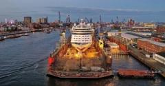 AIDAluna in dock