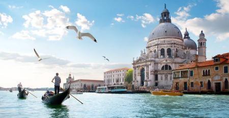CRUISE_Venice_Photo_Holland_America_Line.jpg