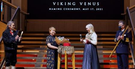 CRUISE_Viking_Venus_naming_Anne_Diamond.jpg