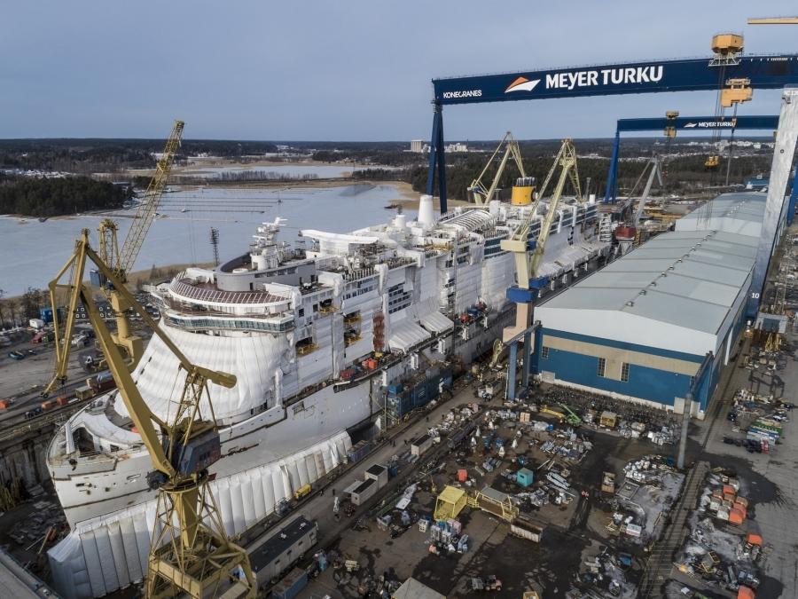 LNG-powered newbuild Costa Smeralda gets its funnel   seatrade ...